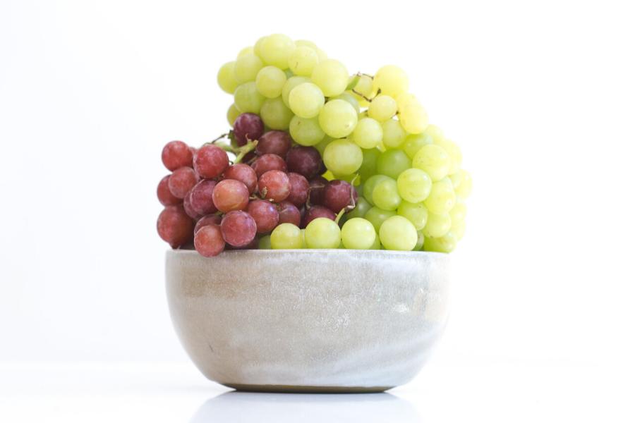 beneficios de comer uvas moradas, beneficios de comer uvas en ayunas, beneficios de comer uvas verdes todos los días, beneficios de comer uvas para adelgazar